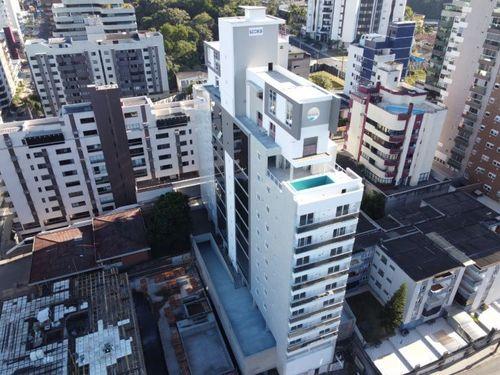 Apartamentos, 4 Dormitórios