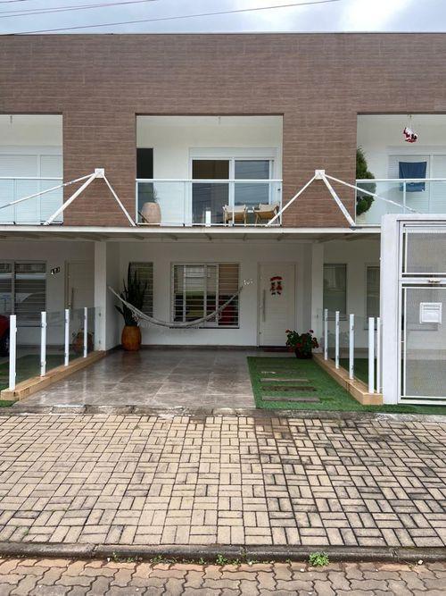 SOBRADOS, 2 Dormitórios