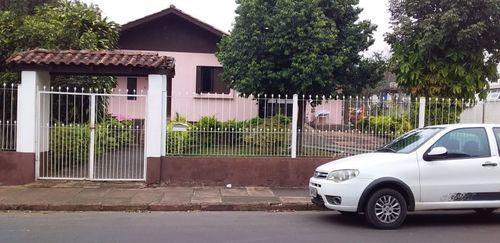 Casas, 3 Dorm.