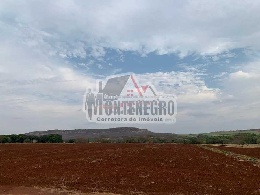 Area Rural, Área de terra